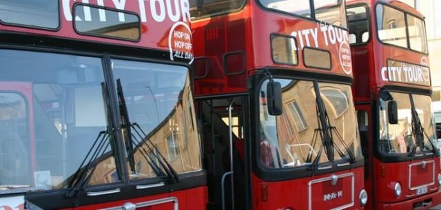 tallin_hop-on_hop-off_buses_carousel_block